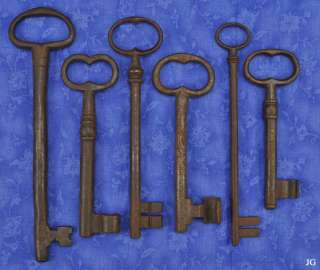 Lg Antique Old Cast Iron 17th 18th Century Jail Skeleton Keys European