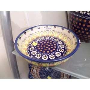 Polish Pottery Wiza Unikat Citrus Daisy Pattern 2 Handled Round 9.5