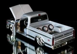 1972 Chevy Cheyenne Pickup DUB CITY Diecast 124 Scale   Silver