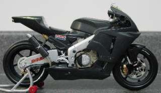 Minichamps Valentino Rossi Honda RC211V Test Bike 2002