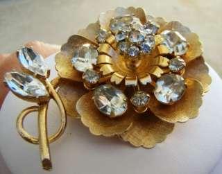 Beautiful Vintage Coro Trembler Rhinestone Flower Brooch