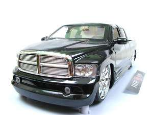 Jada Dub City 2002 Dodge Ram 1/18 diecast cars