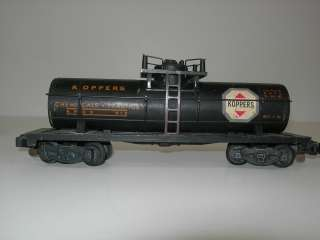Collectible Vintage AMERICAN FLYER train w/ track pieces