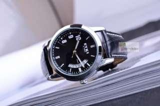 Men Classic Calendar Dial Leather Quartz Watch   Black