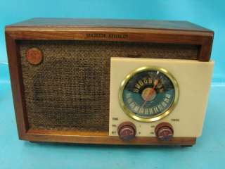 Electric Space Age 1949 Tube Radio Model 212 AM FM Works Tenite