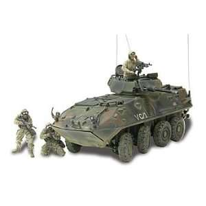 1/18 Scale Unimax USMC LAV 25 Light Armored Vehicle: Toys & Games