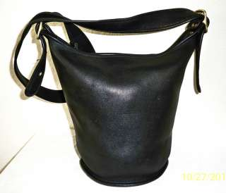 LARGE BLACK & GOLD Coach vintage Bucketbag Hobo Leather tote satchel