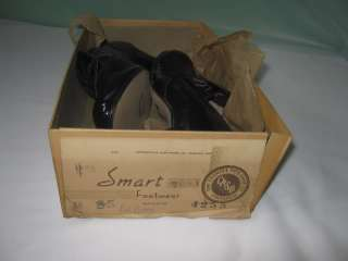 50s *NOS* Ladies BLACK Patent LEATHER Heels SHOES Pumps w CUT OUTS NOS