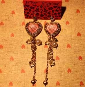 BETSEY JOHNSON RUBY PINKY HEART CRYSTAL DANGLE DROP EARRING *U.S