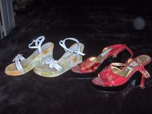 SEXY FLORAL HIGH HEELED WOMENS SHOES  2 PR LOT  7/ 7.5