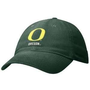 Nike Oregon Ducks Green Swoosh Flex Fit Hat: Sports