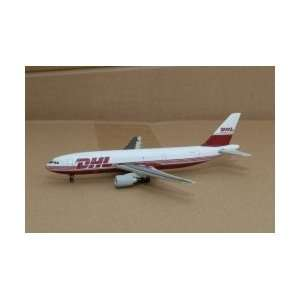 Gemini Jets Air Berlin Dash 8Q 400 Model Airplane Toys & Games