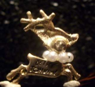 RUDOLPH Red Nose REINDEER in PEARL NECKLACE Kiss Lips PIN SET