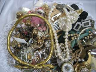 VTG to NOW HUGE LOT of JUNK BROKEN JEWELRY NECKLACE EARRINGS WATCH