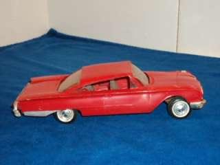 Vintage AMT 1960 Ford Starliner 1/25 Scale Promo Model Car Kit
