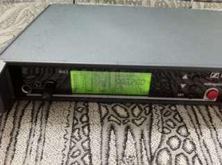 Sennheiser EM3032/SKM5000 Dual Wireless Microphone System 506 530 MHZ
