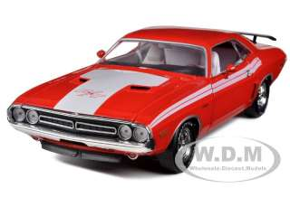 1971 DODGE CHALLENGER R/T 383 RED 1/24 DIECAST CAR M2 MACHINES 40200