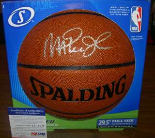 JOHNSON AUTOGRAPHED SIGNED INDOOR/OUTDOOR BASKETBALL PSA/DNA LAKERS